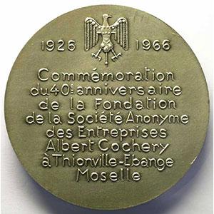 40° anniversaire de la fondation de la Société Anonyme des Entreprises Albert Cochery   1926 - 1966   Médaille en argent   67,5mm    SUP