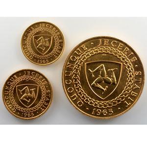 Coffret de 3 monnaies en or   5 £, 1 £ et 1/2 £   1965    FDC