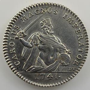 Jeton rond en argent  29mm   Clercs des Procureurs en la Chambre desComptes   Charlemagne   1741    TTB+
