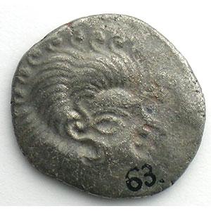 Statère de billon au nez orné   1er siècle av. J.C.    TB+/TTB